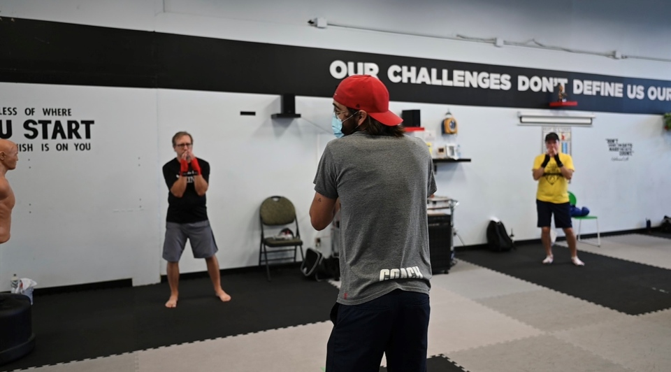 Boxing 4 Health instructor Keith Micomonaco leads a class. (Joel Haslam/CTV)