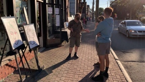 The Viva Vida Art Gallery in Pointe-Claire Village is taking its work to the streets to give visitors a glance at artists' work. SOURCE Viva Vida Art Gallery/Facebook