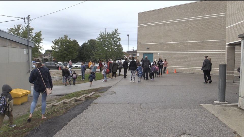 Students return to school in Barrie at Ferndale Woods Elementary Public School on Tues., Sept. 8, 2020. (Aileen Doyle/CTV News)