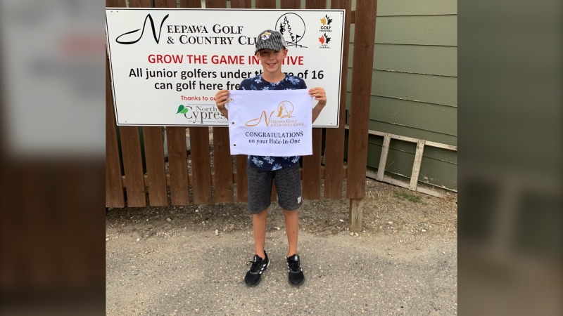 Ethan Stanley being recognized after hitting a hole in one. (Source: Neepawa Golf and Country Club/Twitter)