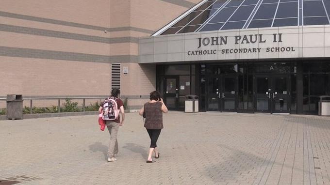 Students attend John Paul II Secondary School in London, Ont. on Sept. 14, 2020. (Jordyn Read/CTV London)