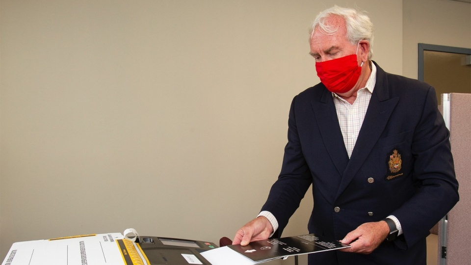 New Brunswick Liberal Leader Kevin Vickers casts his ballot on the province's election day, in Miramichi, N.B., Monday, Sept. 14, 2020. THE CANADIAN PRESS/Ron Ward