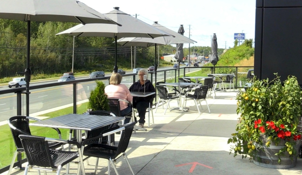 In the spring, many restaurants and cafes in Sudbury had to make room for outdoor seating since COVID-19 meant they could not have guests inside. But with the cooler temperatures, restaurants owners have had to consider the right time is to close them for the year.  (Molly Frommer/CTV News)