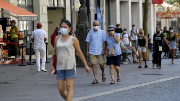 Unclear guidance may prompt people to cut corners with virus control measures like mask-wearing, researchers suggest. (AFP)