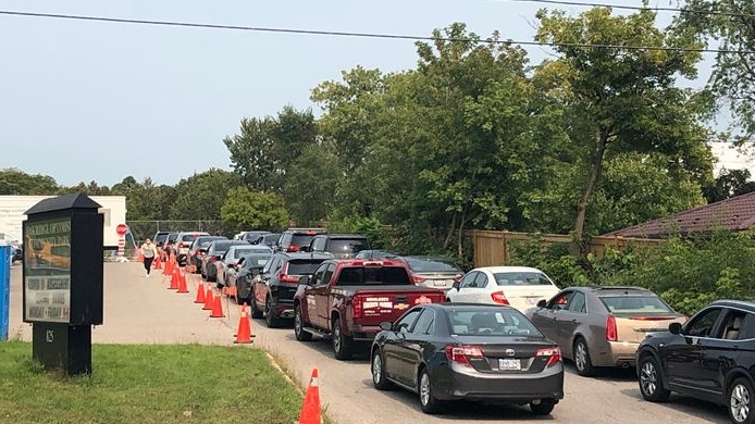 Long wait times at the Oakridge Assessment Centre in London, Ont. on Sept. 16, 2020. (Jordyn Read/CTV London)