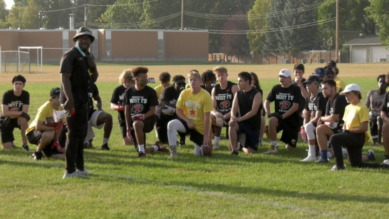 Former and current CFL players are helping high school football players in Calgary hone their skills with a free camp during the pandemic.