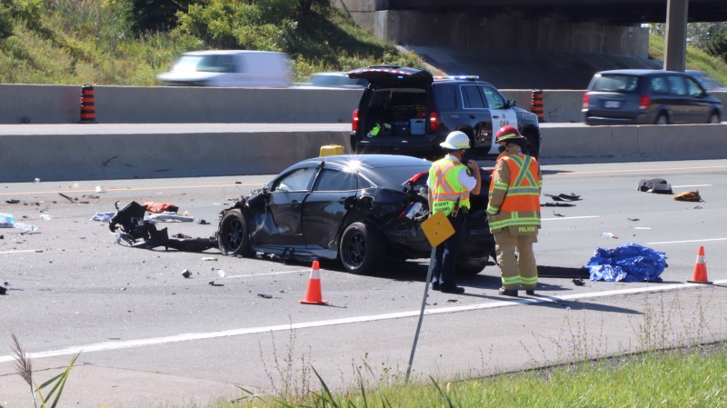 Police investigate a fatal crash on Highway 401 in Pickering, Ont. on Sept. 18, 2020. (Ted Brooks/CTV News Toronto)