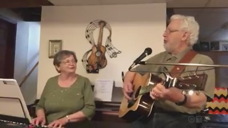 Marie-Jeanne and Albert Theriault from Sudbury sing, 'Ce soir fais moi danser.'