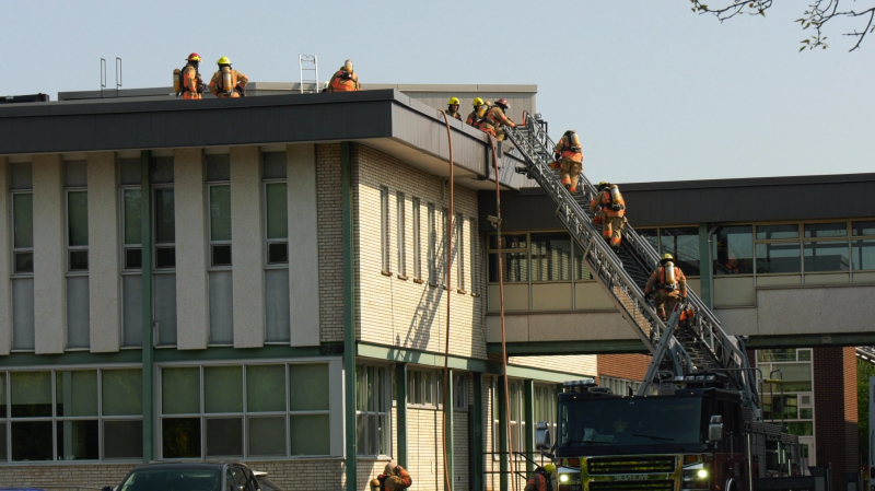 A fire forced the evacuation of Felix-Leclerc and St. Thomas High Schools in Pointe-Claire on Mon., Sept. 21, 2020.
