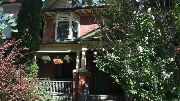 Tenant with COVID-19 was inside Toronto home during open house