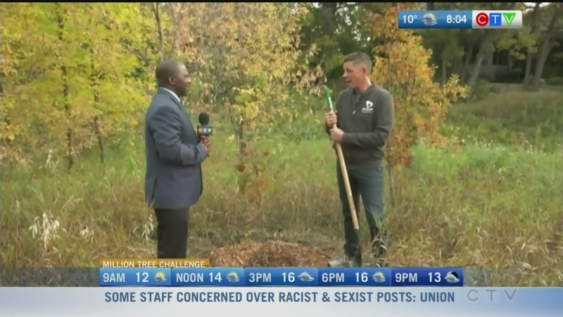 Winnipeg mayor accepts tree planting challenge!