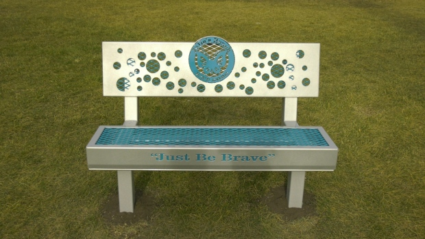 Red Deer father memorializes daughter with friendship bench at former school