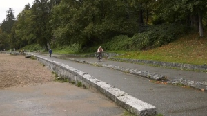 Stanley Park fully reopened to cars