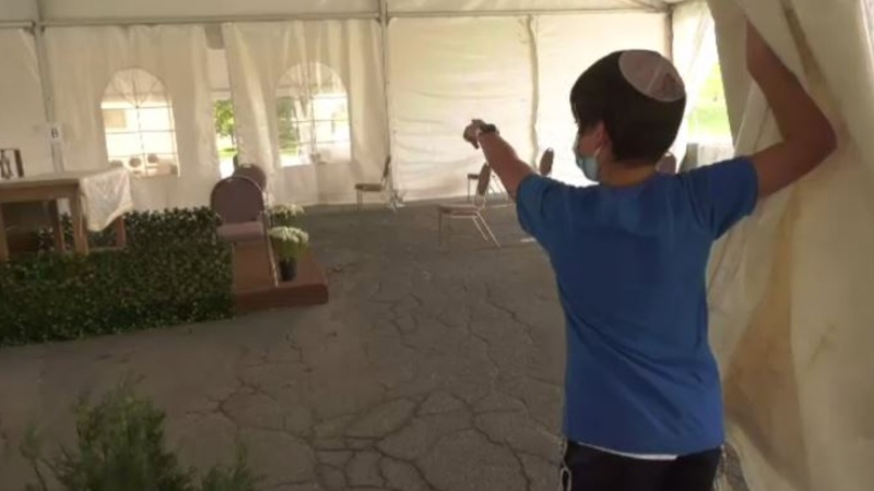 Beth Israel Beth Aaron Congregation raised tents to hold Yom Kippur services in shifts of 25 people.