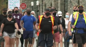 Neil Dunsmore completes his walk from Elora to Ottawa to raise awareness for mental health issues. (Sept. 27, 2020)
