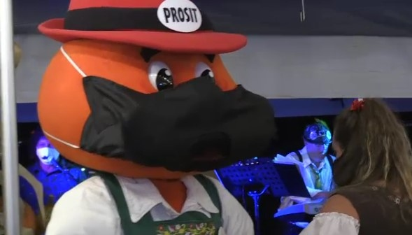 onkel hans oktoberfest mask kitchener waterloo