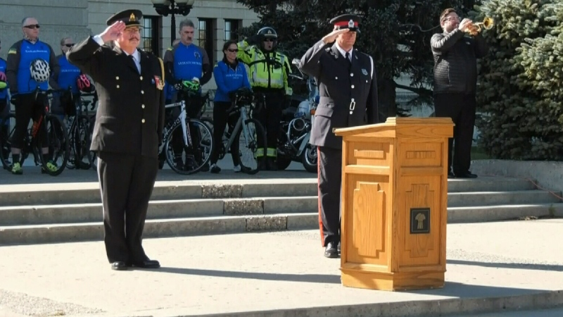 Sask. police officers honour those who died