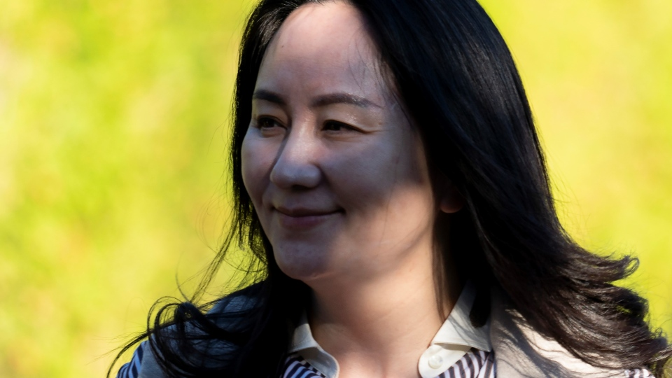 Meng Wanzhou leaves her home to head to Supreme Court in Vancouver, Monday, Sept. 28, 2020. (Jonathan Hayward / THE CANADIAN PRESS)