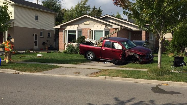 Crash on Jalna Boulevard in London, Ont. on Sept. 28, 2020. (Marek Sutherland/CTV London)