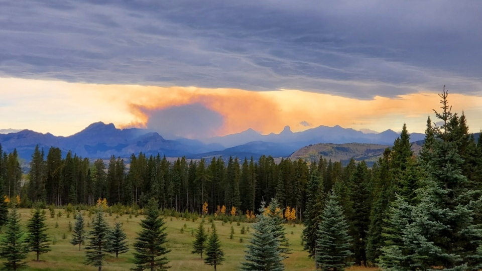 Smoke can be seen from the Devil's Head wildfire west of Calgary on Sept. 28, 2020. (Courtesy Andreas Cordsen)