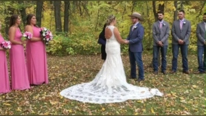 One Manitoba couple pulled off a wedding in 26 hours.