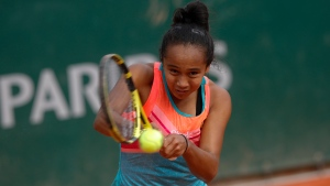 Canada's Leylah Fernandez plays a shot against Slovenia's Polona Hercog in the second round match of the French Open tennis tournament at the Roland Garros stadium in Paris, France, Thursday, Oct. 1, 2020. (AP Photo/Christophe Ena)