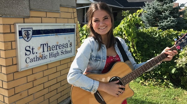 Emma Reynolds, 17, of Midland, Ont., plans to perform at several seniors' homes across Simcoe County. Oct. 1, 2020. (Jim Holmes/CTV News)