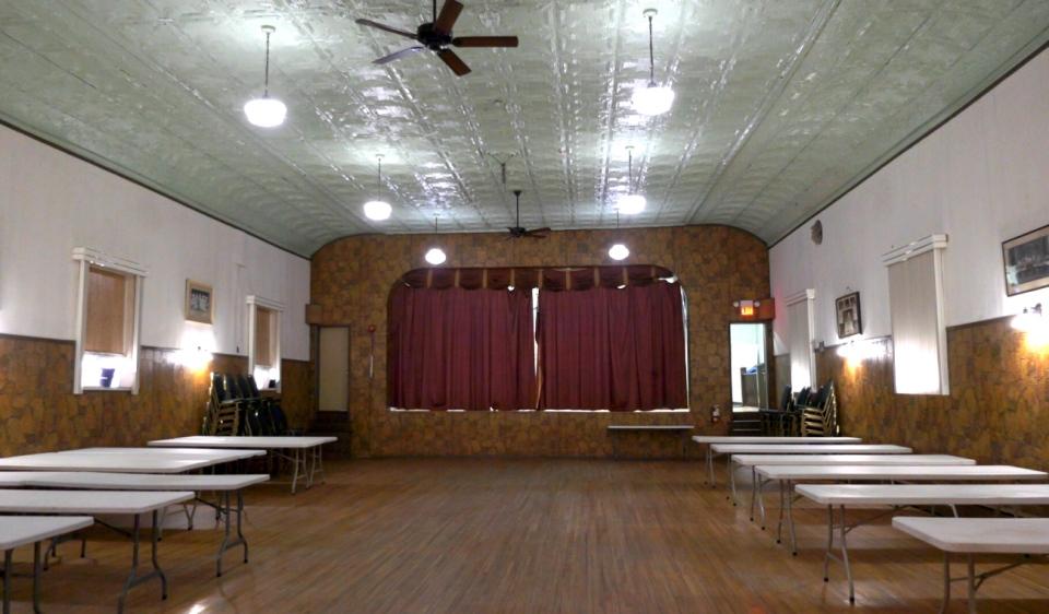 Croatian Hall2