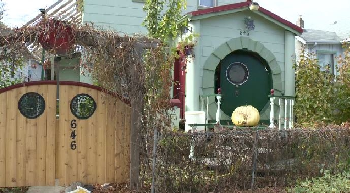 The Winnipeg 'Hobbit house' has become somewhat of a local attraction.