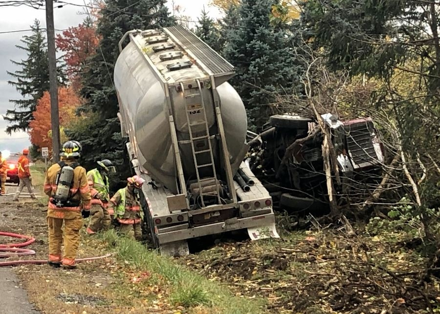 Tanker truck crash in Ailsa Craig, Ont.
