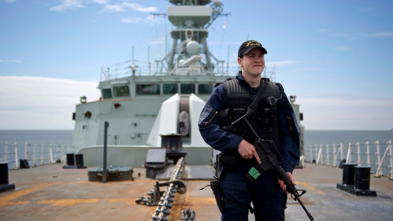 A crewmember aboard HMCS Winnipeg in Vancouver, B.C., on June 10, 2014. (Jimmy Jeong / The Canadian Press)