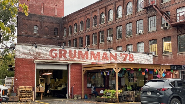 St-Henri taco garage Grumman 78 'closing its doors and hanging up its... image