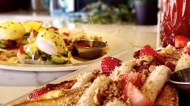 Luxe Bistro's Strawberry Cheesecake French Toast