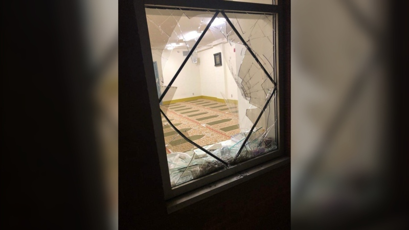 A broken window at the Makkah-Al-Mukkaramah mosque in Pierrefonds after a break-in on Monday, Oct. 19, 2020. (Photo: CCA Islamophobie, Twitter)