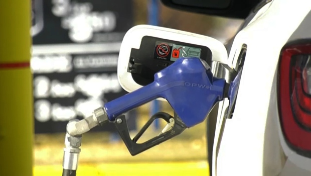 Gas pump price gap widens in Calgary and Edmonton