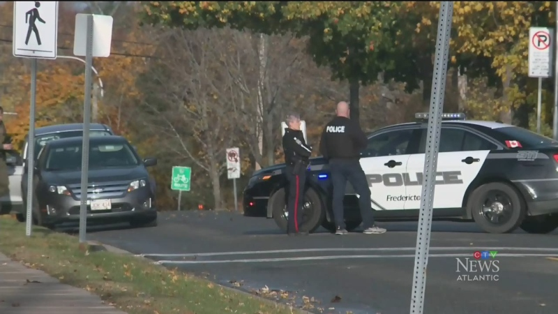 Fredericton police respond to barricaded person