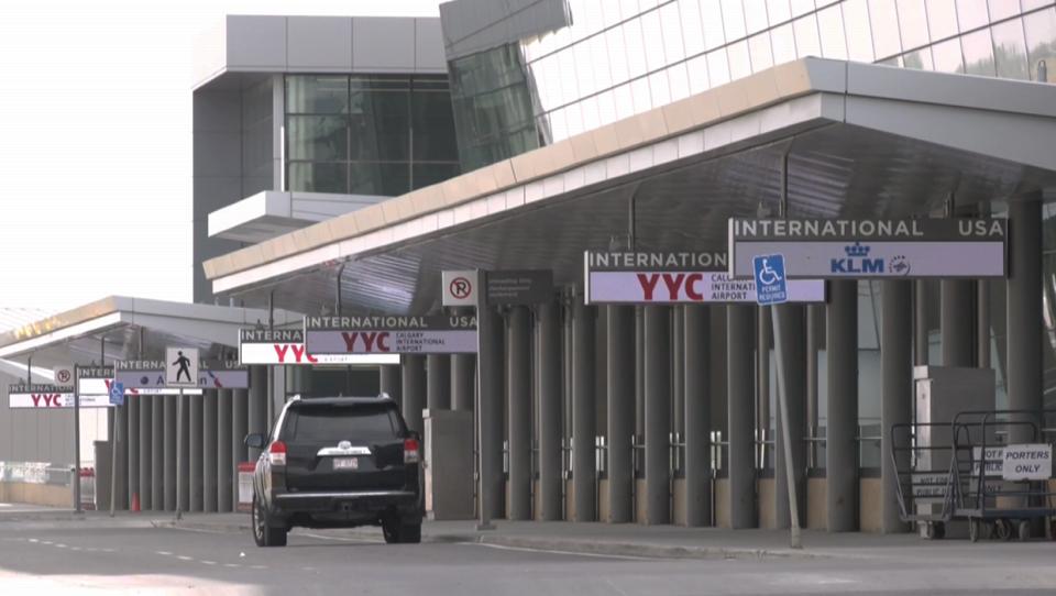 Calgary International AIrport, Calgary, airport