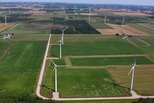 File image of wind turbines in southern Ontario (Tom Podolec / CTV Toronto).