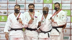 Montrealer Shady El Nahas won bronze at the Hungarian Judo Grand Slam on Sunday, adding a fourth medal to the Canadian crop during the event. SOURCE: Judo Canada
