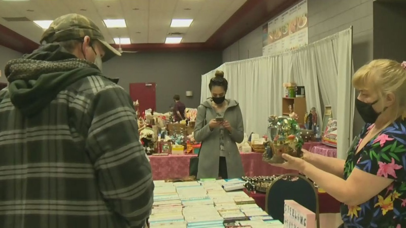 Maritimers think Christmas already