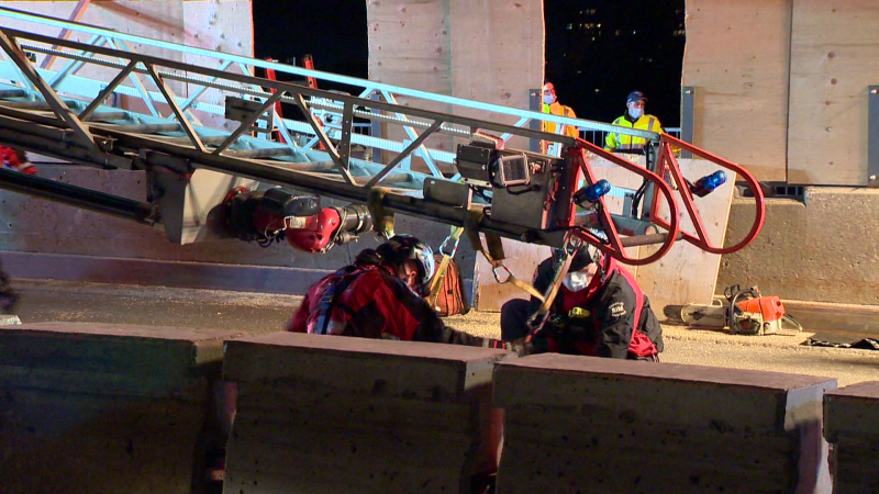 The Montreal fire department rescued a young woman who fell into a hole on Pie-IX bridge / Cosmo Santamaria, CTV News Montreal