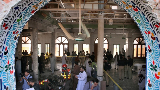 Bomb at seminary in Pakistan kills 8 students, wounds 136