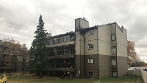 No injuries have been reported at an apartment building fire in Mill Woods on Tuesday, Oct. 27, 2020. (Matt Marshall/CTV News Edmonton)