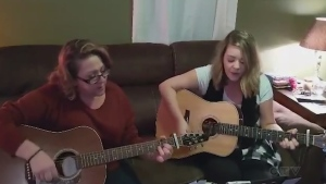 Tonight's song is from a mother daughter duo in Spanish. Lisa Kiernan and daughter Alyshia Morel cover 'Suds in the Bucket' by Sara Evans.