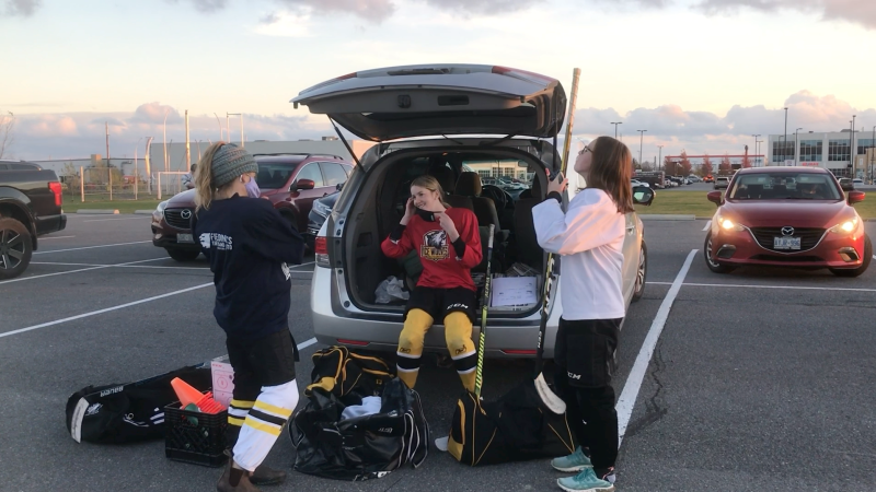Hockey teams must dress outside of the arena due to COVID-19 protocols in Kingston. (Kimberley Johnson/CTV News Ottawa)