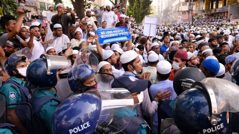 Supporters of several Islamist parties protest after Friday prayers in Dhaka, Bangladesh, on Oct. 30, 2020. (Mahmud Hossain Opu / AP)