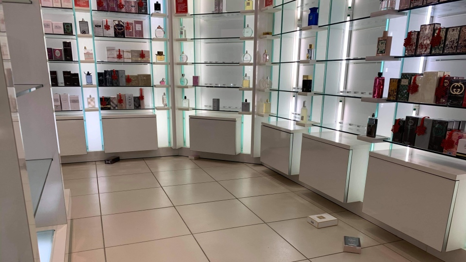Empty shelves at a Shoppers Drug Mart after a perfume theft in Orangeville, Ont. on Wed. Oct. 28, 2020 (Jeremy Williams)
