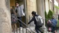 Sudbury parents talk in-class vs virtual schoolin