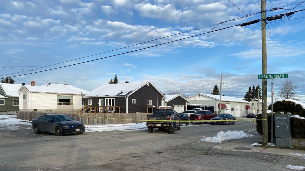 Police presence on Rae St. in Timmins, Ont.