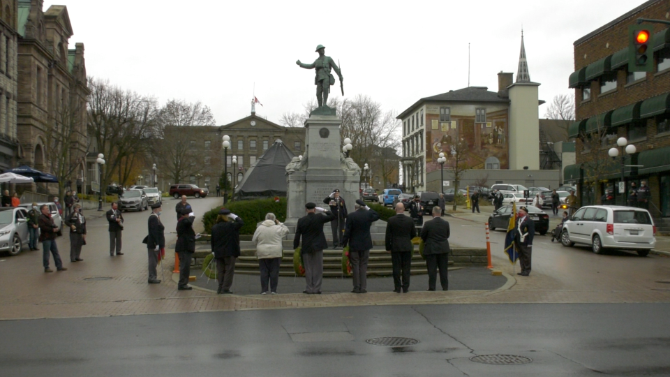 A small Remembrance Day service was held at the Brockville cenotaph. (Nate Vandermeer/CTV News Ottawa)